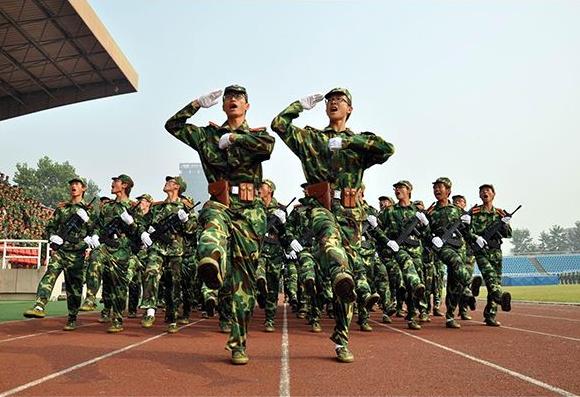 「西安SEO推广」关于大学生军事训练的稿件发表的文章