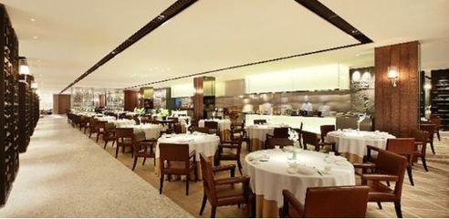 「西安 SEO 推广」餐饮服务业满足客人的重要服务原则